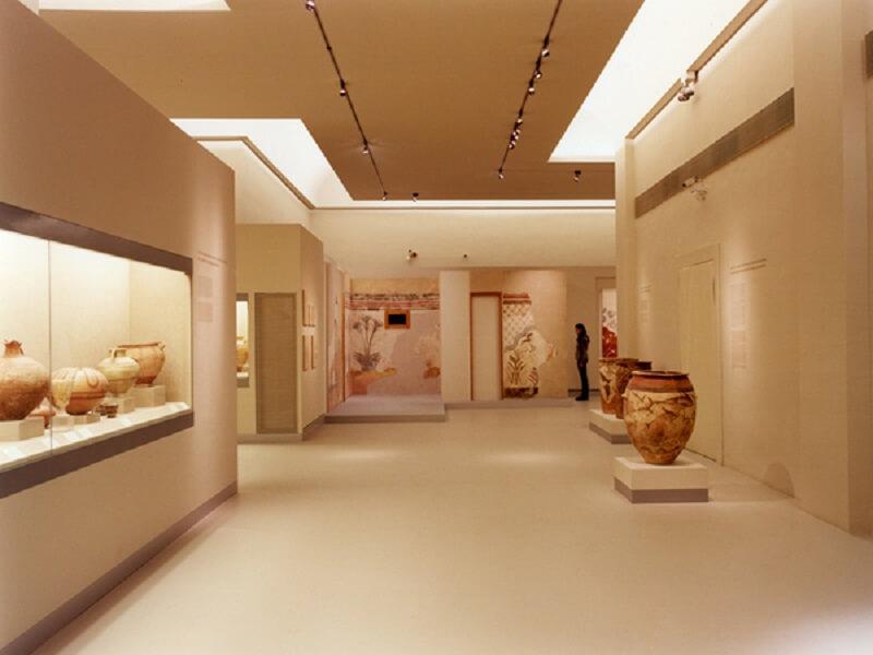 Interior do Museu Pré-histórico de Thira
